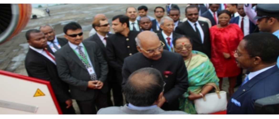 H.E. Mr. Ram Nath Kovind, Hon'ble President of the Republic of India paid a 3 days visit to Equatorial Guinea from 7 to 9 April 2018. He was accompanied by his wife and a high level delegation. Here are some photos of the Departure of the VVIP
